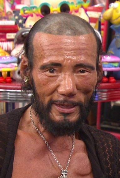 浦和洋一(元プロボクサーでチャンピオン)外国人になりたい男でアウトデラックス出演。整形や顔面トレーニング色黒がやばい!今と昔の画像あり!