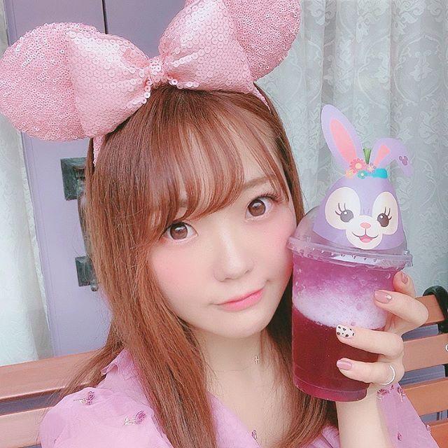 hitomi(志賀瞳)のメイドカフェ店舗一覧(アットホームカフェ)と料金!年収やwiki経歴!【プロフェッショナル】