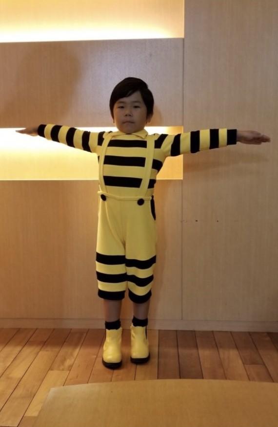 JR東日本踏切CM男の子は鈴木楽(たの)君で福くんの弟!黄色と黒の服で年齢や両親や兄弟は?
