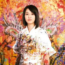 小松美羽は美人画家で結婚や彼氏は?年収やwiki経歴(大学・年齢)【徹子の部屋】