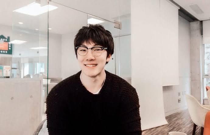 ヨンチャン(韓国漫画家)のWiki経歴や年収!彼女や作品は?【金曜日のソロ】