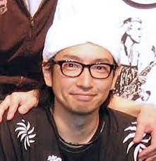 小林賢太郎結婚した妻顔画像特定か!子供や家族や年収は?wiki経歴や高校を調査!